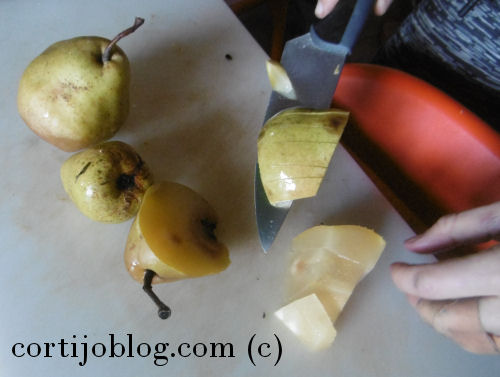Cutting up pears