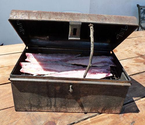 Hot smoking box