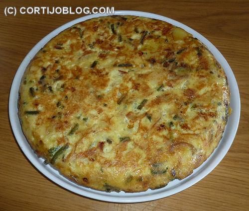 Tortilla de patatas con ajetes